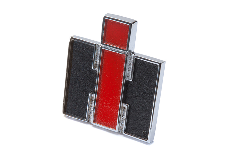 Scout II, Scout 800 IH Fender Emblem