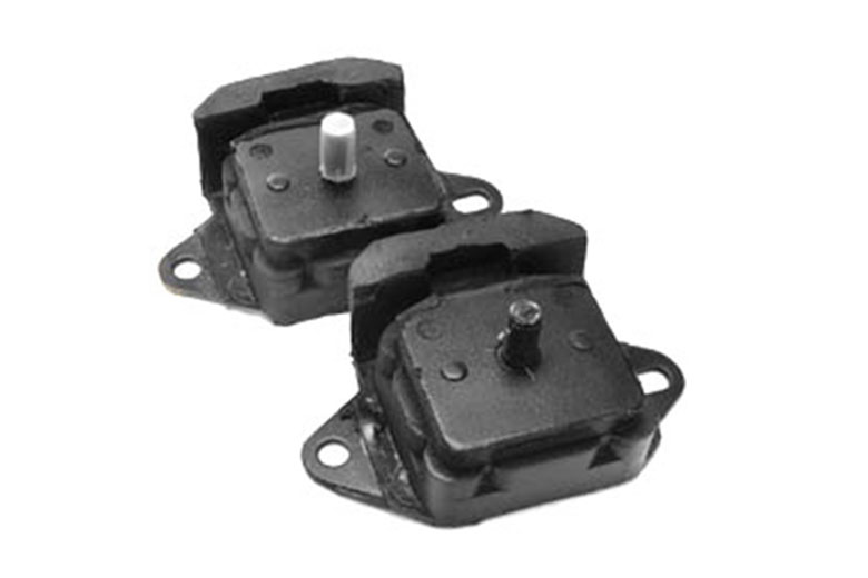 Scout II, Scout 800 Front Engine Mounts For 6-Cylinder - PAIR