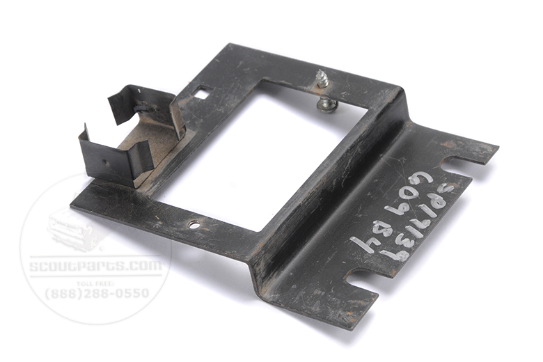 Scout II Bracket Fuse block - Fuse panel mounting bracket - used