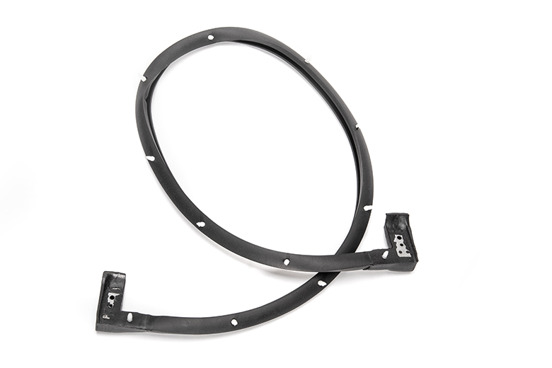 Scout II Lift Gate Seal, lower, Metal moulded ends with pushpin retainers