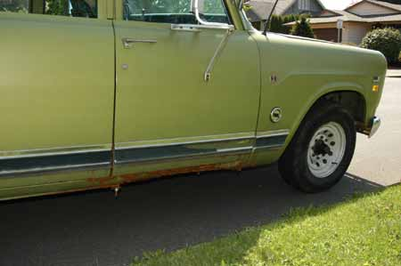 1971 Crew Cab Pick Up  NEW Tires